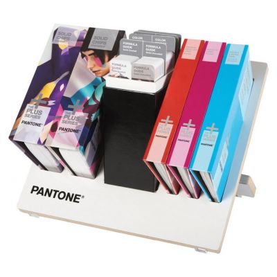 Pantone Reference Library (14 guide set)